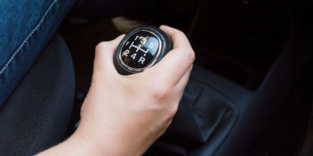 vibracion de la palanca de cambios del coche